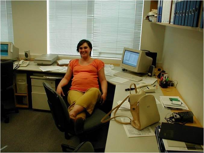 2002 - Márcia Menezes, hoje, nossa Diretora de Inovação e Tecnologia - Escritório do CTE, na Rua Álvaro Rodrigues